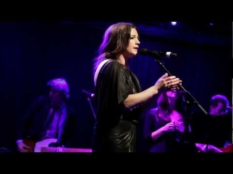 Creep (Radiohead) - Carrie Manolakos