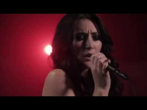 Aubrie Sellers // Losing Ground (Performance)