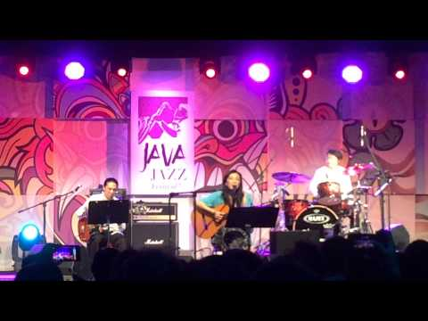 Bengawan Solo - Lisa Ono @ Java Jazz Festival 2015