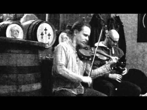 Border Pipe Tunes: Cuckold Come Out of the Amrey/ Шотландская волынка