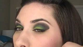 Aubrey Goes to Midnight Mass Smokey and Lime Eyes Tutorial Thumbnail