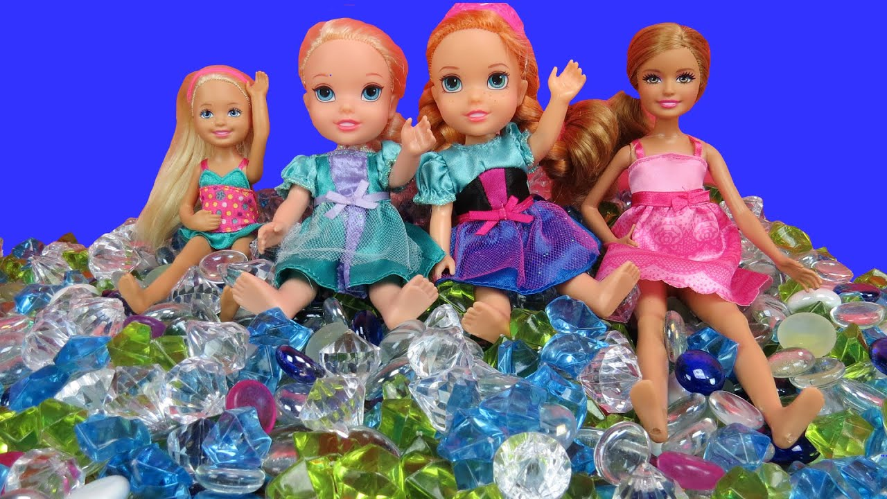 Playing In Gems Elsa Amp Anna Toddlers Stacie Amp Chelsea In