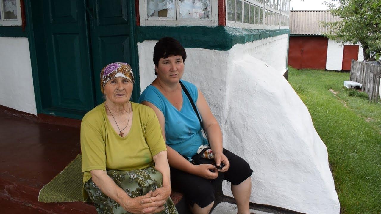 Ролики баба в деревне