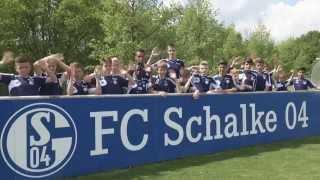 Kolasinac und Fährmann besuchen die Schalker U13