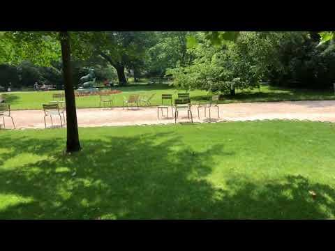 海外女性ひとり旅 パリリュクサンブール公園 Facebookライブ配信から