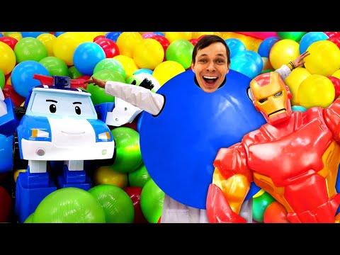 Видео про игрушки из мультфильмов Робокар Поли. Супергерои и Доктор Ой в бассейне с шариками!