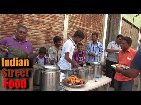 indian street food breakfast - idli dosa vada & chhole bhature - street food india mumbai 2016 video