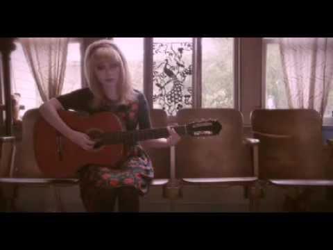"VIDEOFASHION   Tavi Gevinson: ""Beware of Young Girls"" para Wren Inverno 2012"