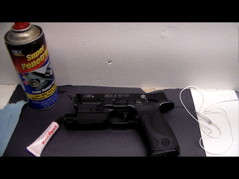 Cleaning and oiling air pistol