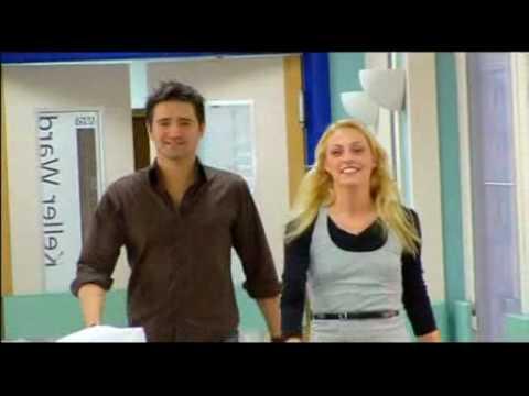 Tom Chambers & Amanda Mealing reenact Holby City kiss