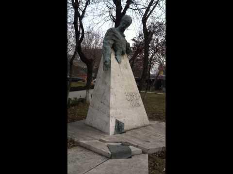 Памятник Фритьофа Нансена в Ереване)