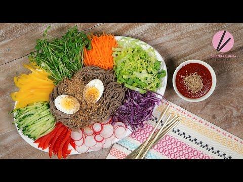 Korean Cold Noodles on a Tray, Jaengban Makguksu