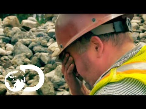 Tony and Gene Inspect the Underperforming Dredge | Gold Rush