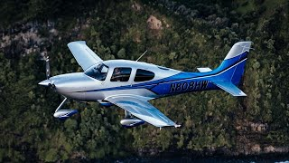Flying lifestyle in a Cirrus SR22 thumbnail
