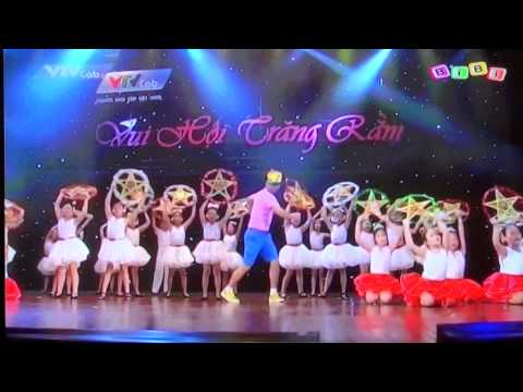 Ruoc den ong sao Vui hoi Trang Ram Bibi T9.2014