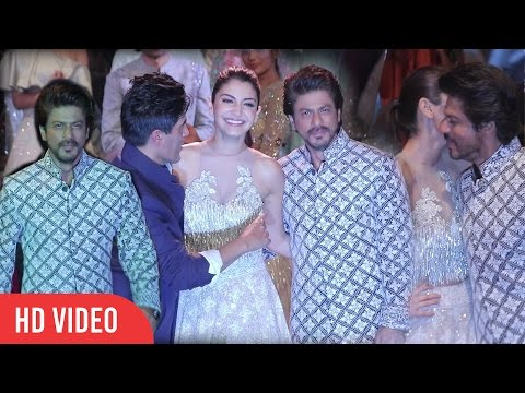 Raees Shahrukh Khan And Gorgeous Anushka Sharma Ramp Walk With Manish Malhotra