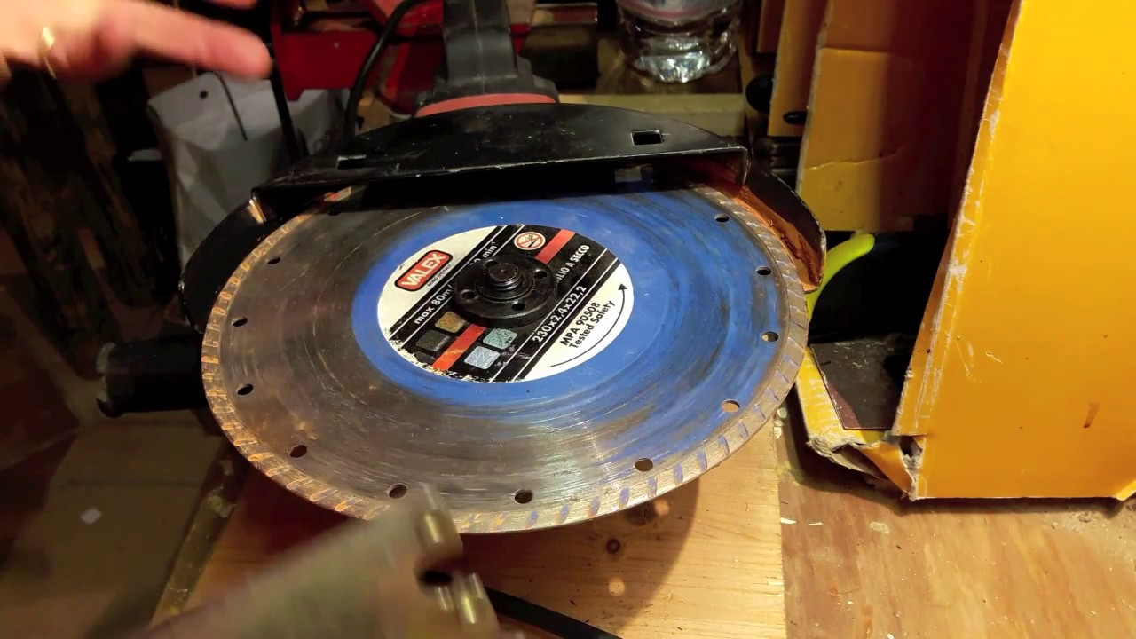 Come sostituire il disco di una smerigliatrice angolare o for Smerigliatrice parkside
