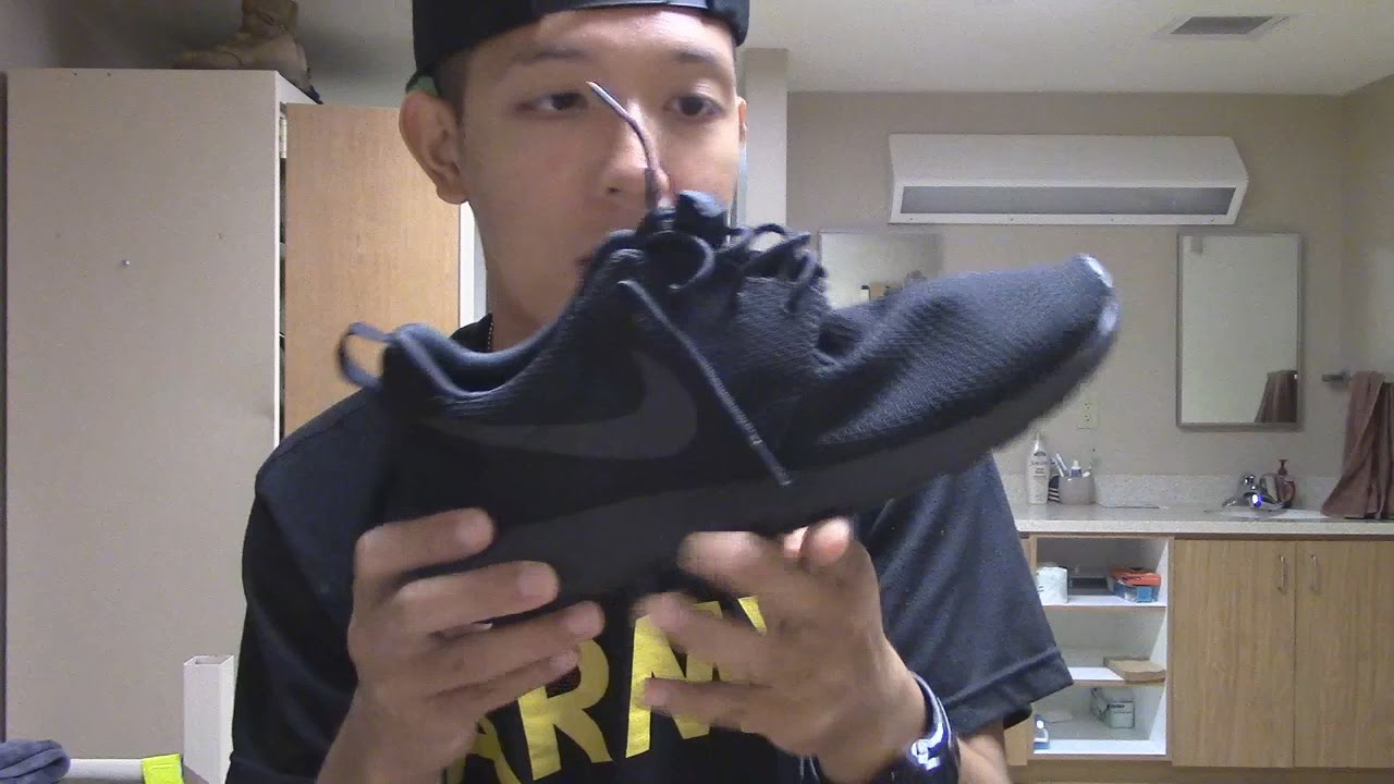 free shipping c3dd0 8c445 Nike Roshe One (Black) - Sneaker Pickups On Feet Review - YouTube