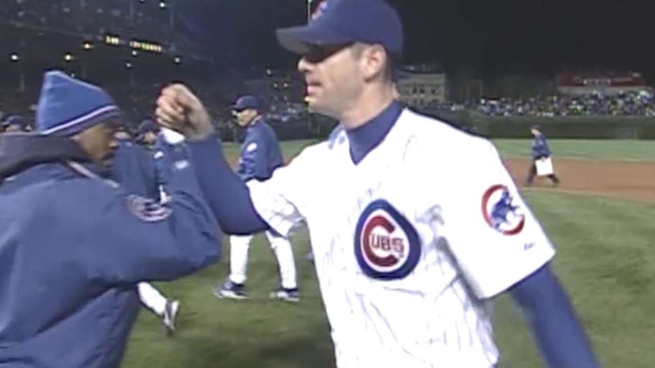 2003 NLDS Gm3  Prior finishes complete game 9b354ff0c2d