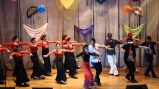 Bailando (Escuela de Flamenco Andalucia, Lara Music Dance, Proyecto Inside y LiboDance)(Clase Abierta 2014 de la Escuela de Arte y Flamenco Andalucia. Cierre de la presentación con la canción Bailando; en escenario Escuela de Flamenco ..., 2014-07-28T01:56:23.000Z)