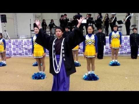 関西大学応援団代 92代団長の黒澤君  長い応援団の歴史の中で初めての女性団長です
