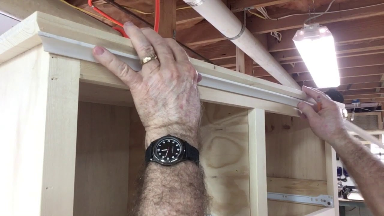 How To Cut Cove Molding Youtube