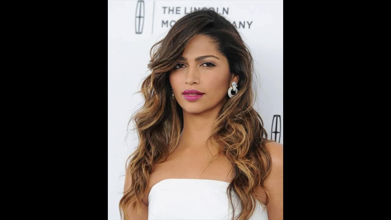 Latest celebrity hairstyles and their trendy berry lipstick makeup looks pretty designs youtube for Trendy celebrity watches