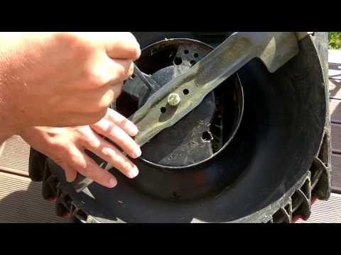 Bosch Rotak 37 LI как поменять нож на газонокосилке