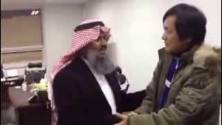 إسلام صاحب فندق في إندونيسيا على يد الدكتور أحمد بن سالم باهمام