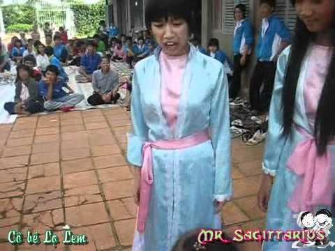 [a2TV.111030] 10A2 - Kịch Cô bé Lọ lem (Part 2) @ Thăm Trung tâm Trẻ Khuyết tật Lộc Phát