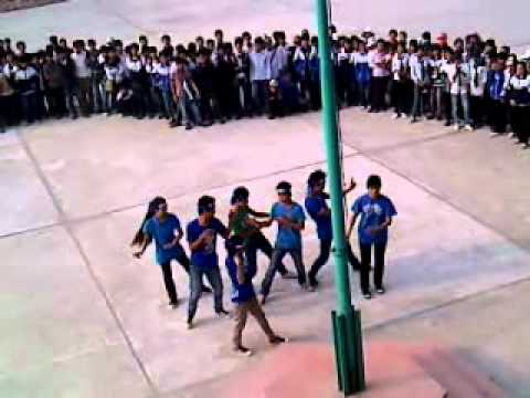 KyUcA2.Co.Cc - Lớp 12A8 nhảy Sorry sorry.Chào mừng ngày NGVN 20-11.