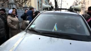 Татьяна Черновол захватила авто, выгнав водителя, чтобы защитить Пашинского