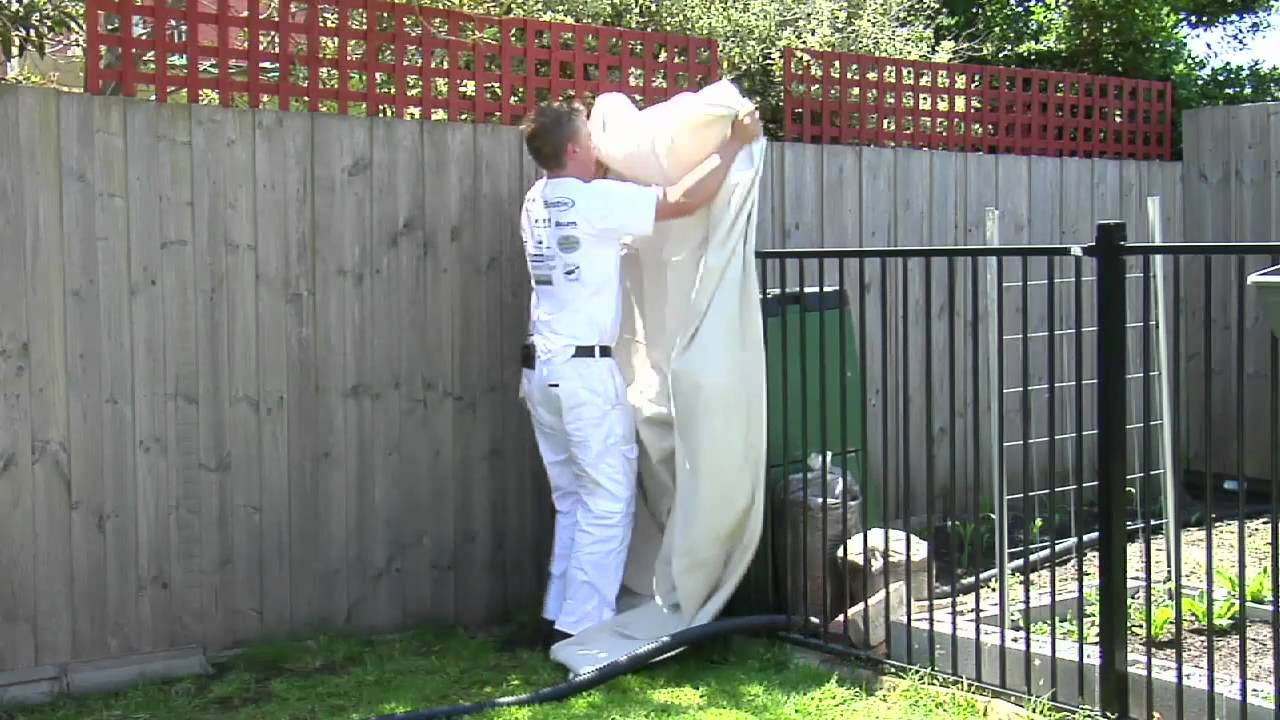 paint spot how to paint a fence with a spray youtube. Black Bedroom Furniture Sets. Home Design Ideas