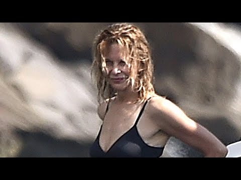 Meg Ryan Flashes Her Toned Bikini Body While Vacationing In Italy