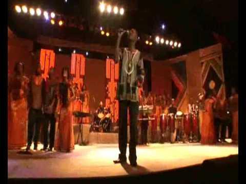 Universal Gospel Choir - Jesus is Love (Jesus é Amor)
