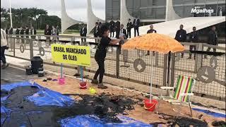 Greenpeace faz protesto em frente ao Palácio do Planalto