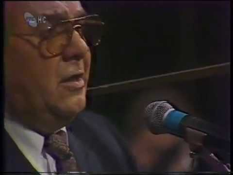 Tamburaši iz Rume - Splet pesama iz Vojvodine from YouTube · Duration:  3 minutes 40 seconds
