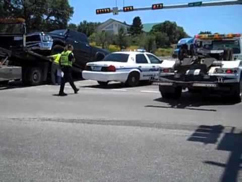 Wreck at Highway 281 bridge sends two to hospital | ThePicayuneTV