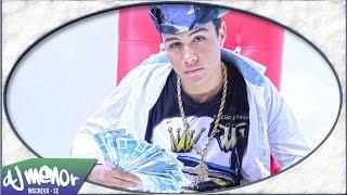 Mc do baile com dinheiro no bolso