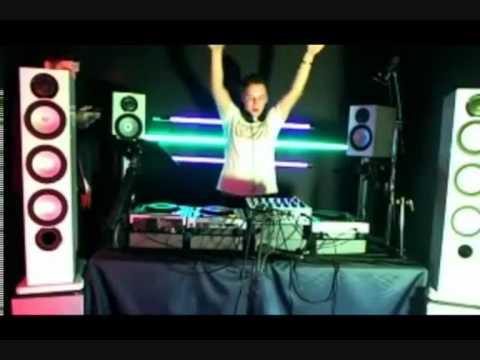 Adam F in the Mixmag DJ Lab