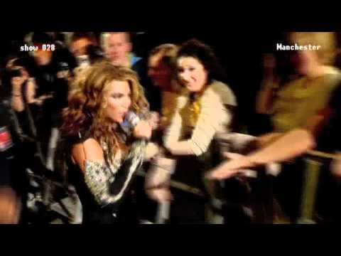 Beyonce makes fan sing