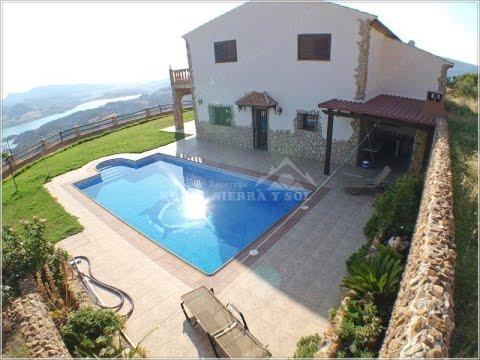 Casa rural sierra de c diz el rancho youtube for Casas rurales sierra de madrid con piscina