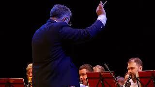 """Вальс и кинофильма """"Любовь и голуби"""" играет оркестр г Абакана дирижер А Штарк"""