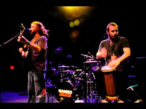 Trevor Young and SOJA's Kenny Bongos - Redemption Song at 9:30 Club © Wayne Hulehan