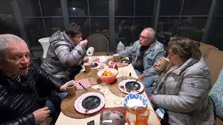 Киевский торт в калифорнийской беседке под разговор естественно