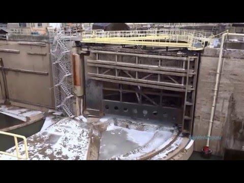 Welland Canal at Lock 3, auto-mooring system by CAVOTECиз YouTube · Длительность: 2 мин31 с