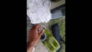 Канистра бензина вылилась в багажник Эльгранда((