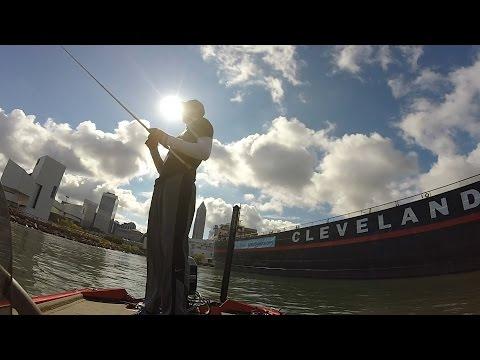Lake Erie (Cleveland, Ohio) Smallmouth And Largemouth!!
