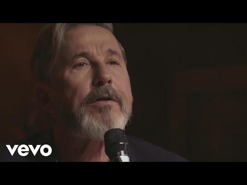Ricardo Montaner - Adoro (Ida y Vuelta Edición Especial)[Video Oficial]