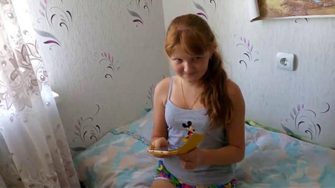 Смотреть видео русских девчонок оставшихся одних дома, свингер развел девушку на секс порно